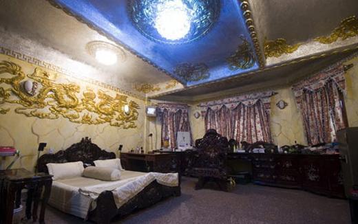 chăn ga gối phòng ngủ của ca sĩ ngọc sơn