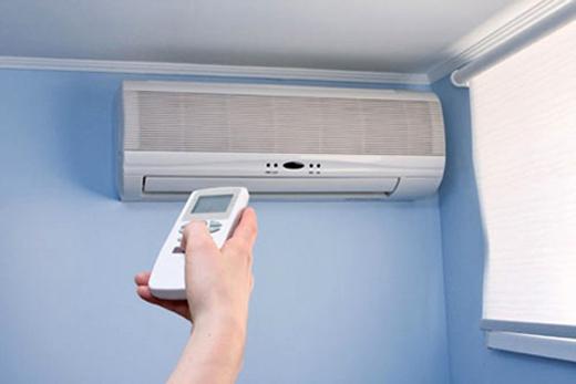 Bật điều hòa chế độ khô hút ẩm